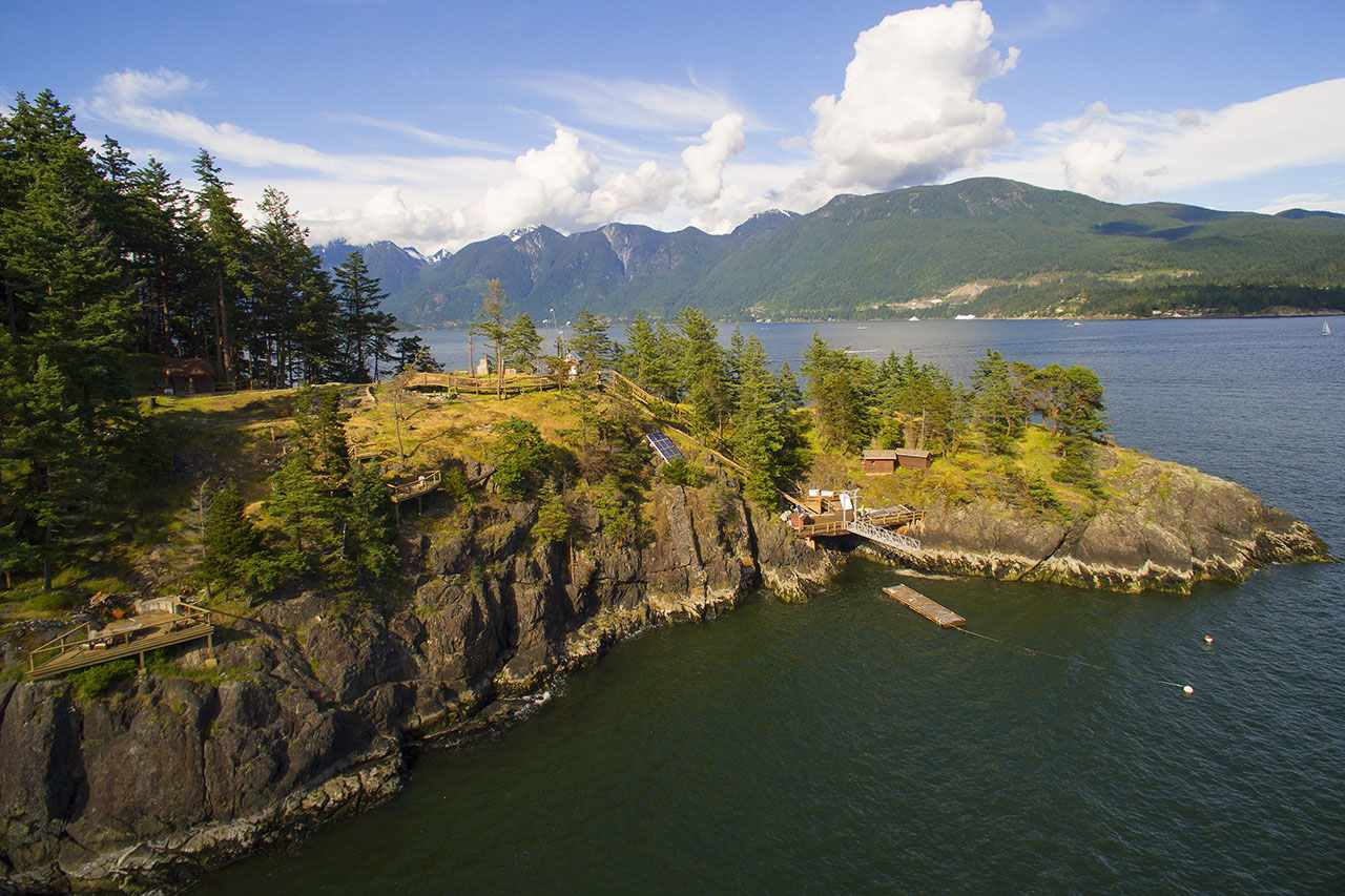 930 WATERFRONT, Bowen Island, BC, V0N 1G1 Photo 1