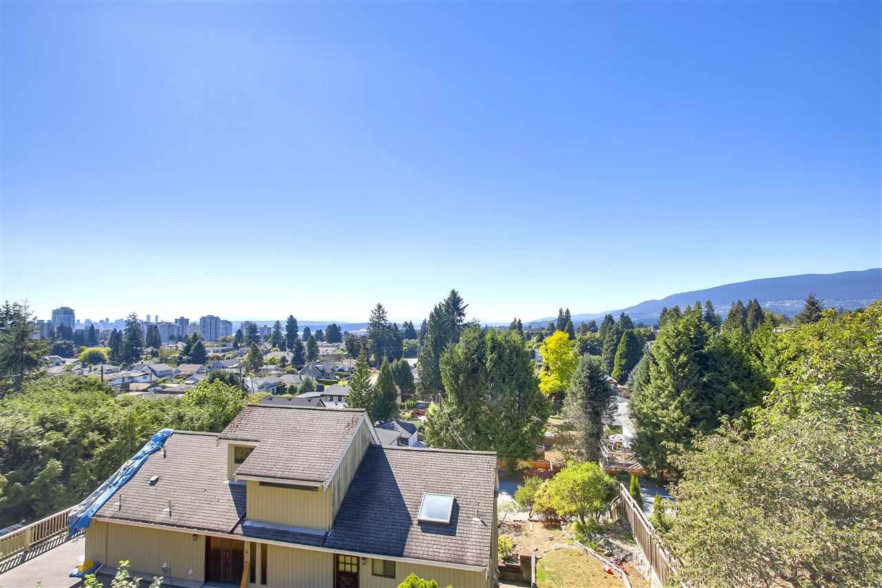 2141 GRAND BOULEVARD, North Vancouver, BC, V7L 3Y8 Photo 1