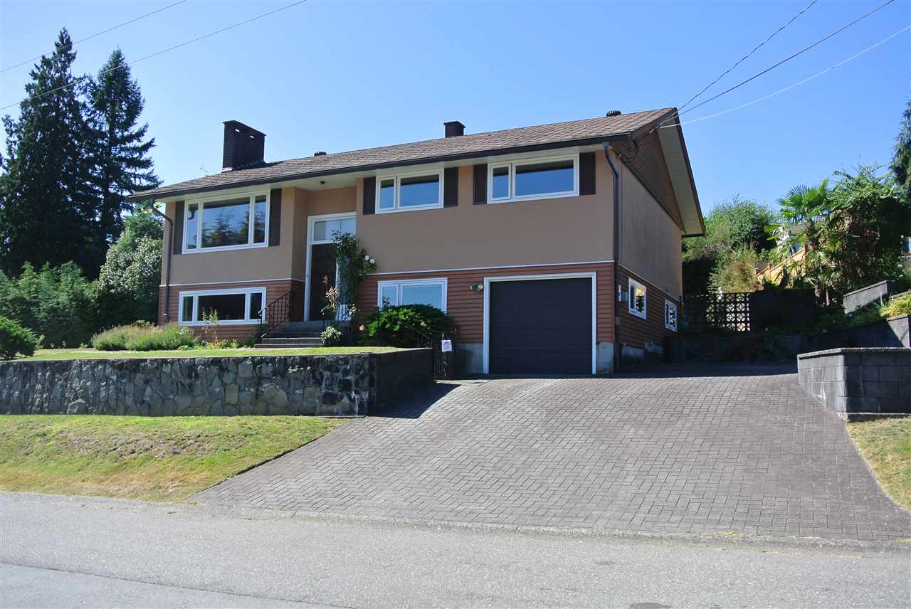 619 ROSLYN BOULEVARD, North Vancouver, BC, V7G 1P4 Photo 1