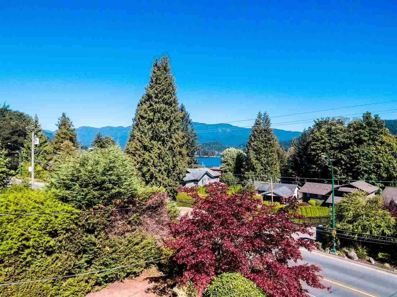 301 N DOLLARTON HIGHWAY, North Vancouver, BC, V7G 1M9 Photo 1