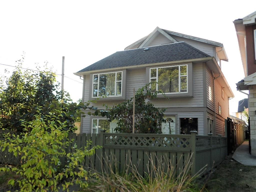 595 SKEENA STREET, Vancouver, BC, V5K 4P1 Photo 1
