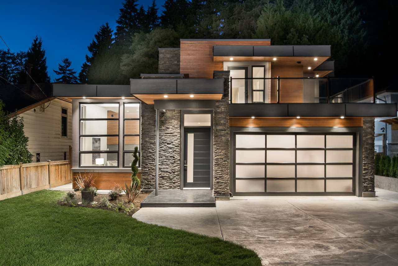822 E 17TH STREET, North Vancouver, BC, V7L 2X1 Photo 1