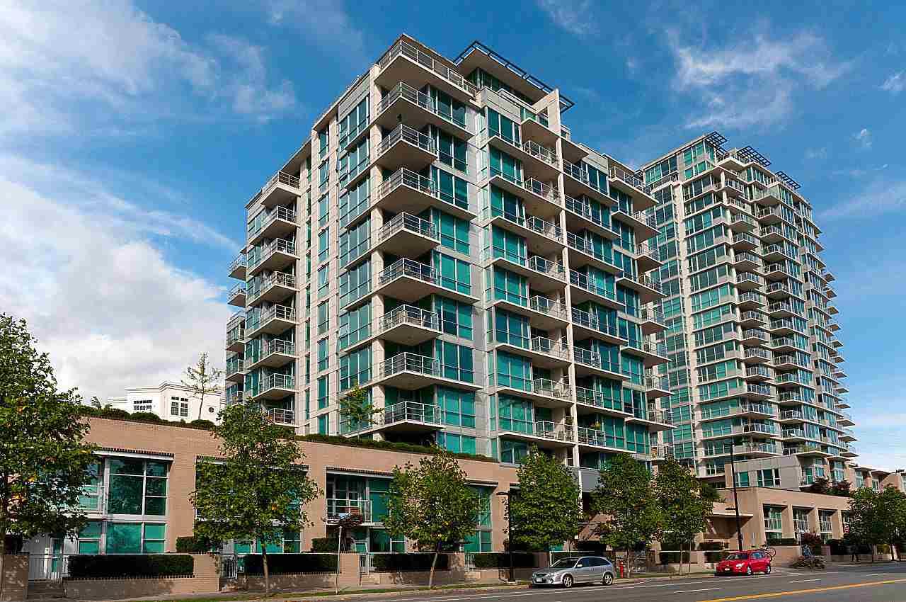 PH3 168 E ESPLANADE, North Vancouver, BC, V7L 4X8 Photo 1