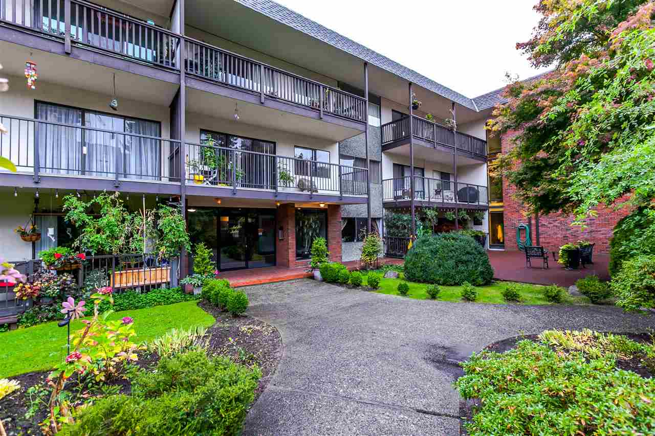 206 155 E 5TH STREET, North Vancouver, BC, V7L 1L3 Photo 1