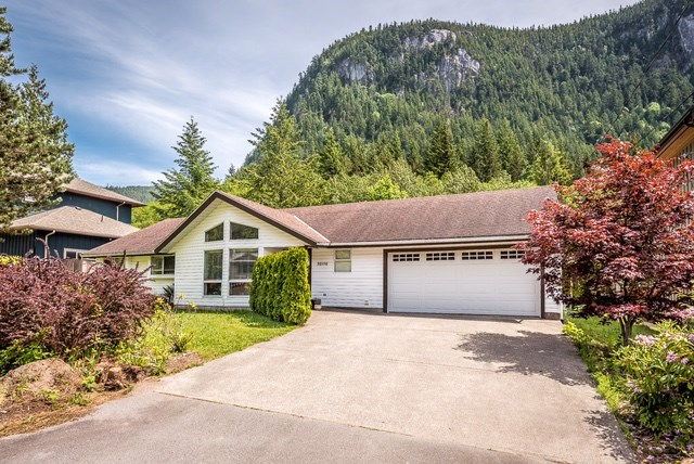 38598 WESTWAY AVENUE, Squamish, BC, V0V 0V0 Primary Photo