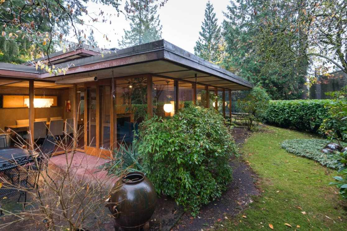 3635 SUNNYCREST DRIVE, North Vancouver, BC, V7R 3C5 Photo 1