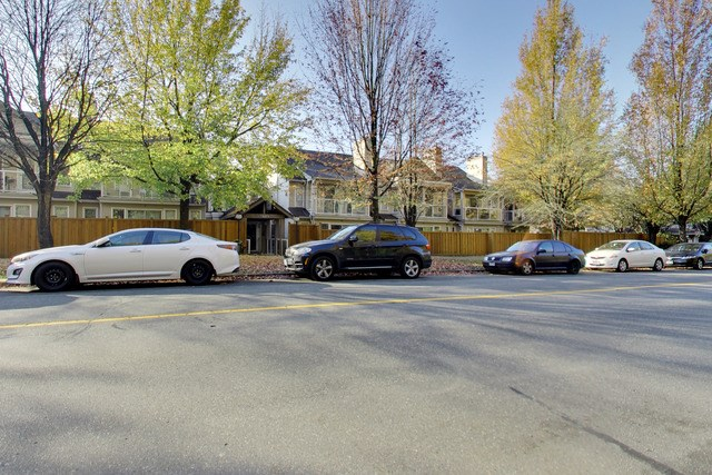 206 3400 SE MARINE DRIVE, Vancouver, BC, V5S 4P8 Primary Photo