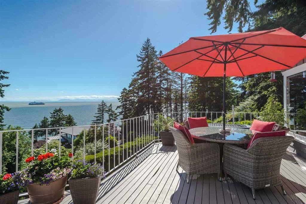 3720 CREERY AVENUE, West Vancouver, BC, V7V 2M1 Photo 1