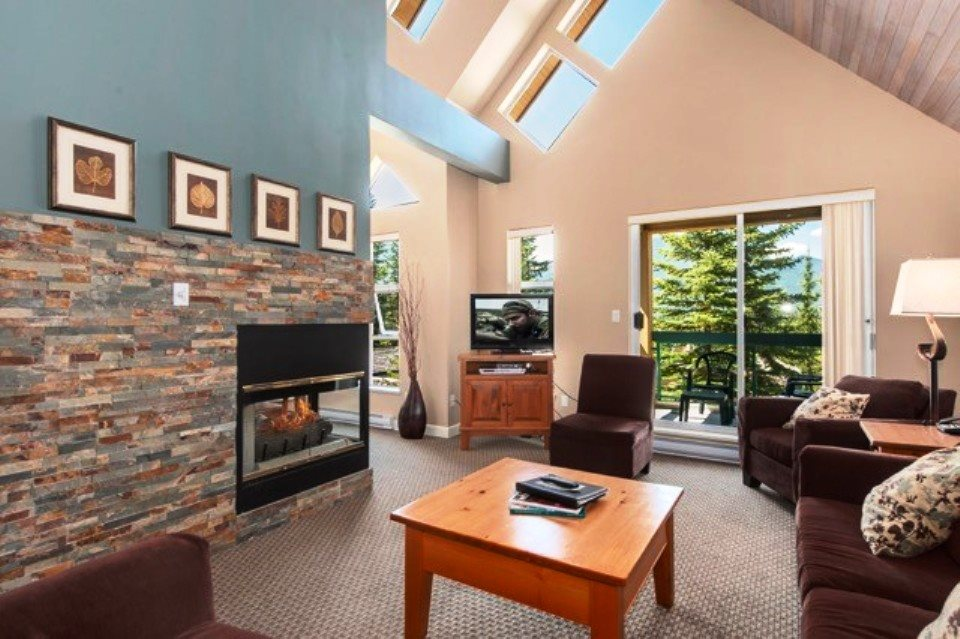 202 4865 PAINTED CLIFF ROAD, Whistler, BC, V0N 1B4 Photo 1