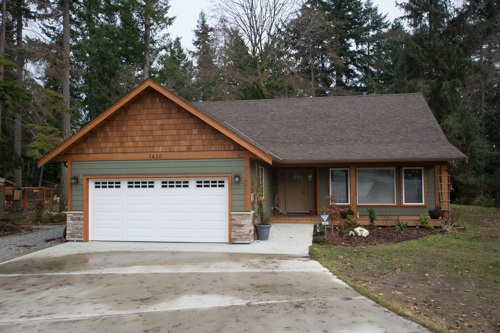 1420 SUNDANCE PLACE, Gibsons, BC, V0N 1V5 Photo 1