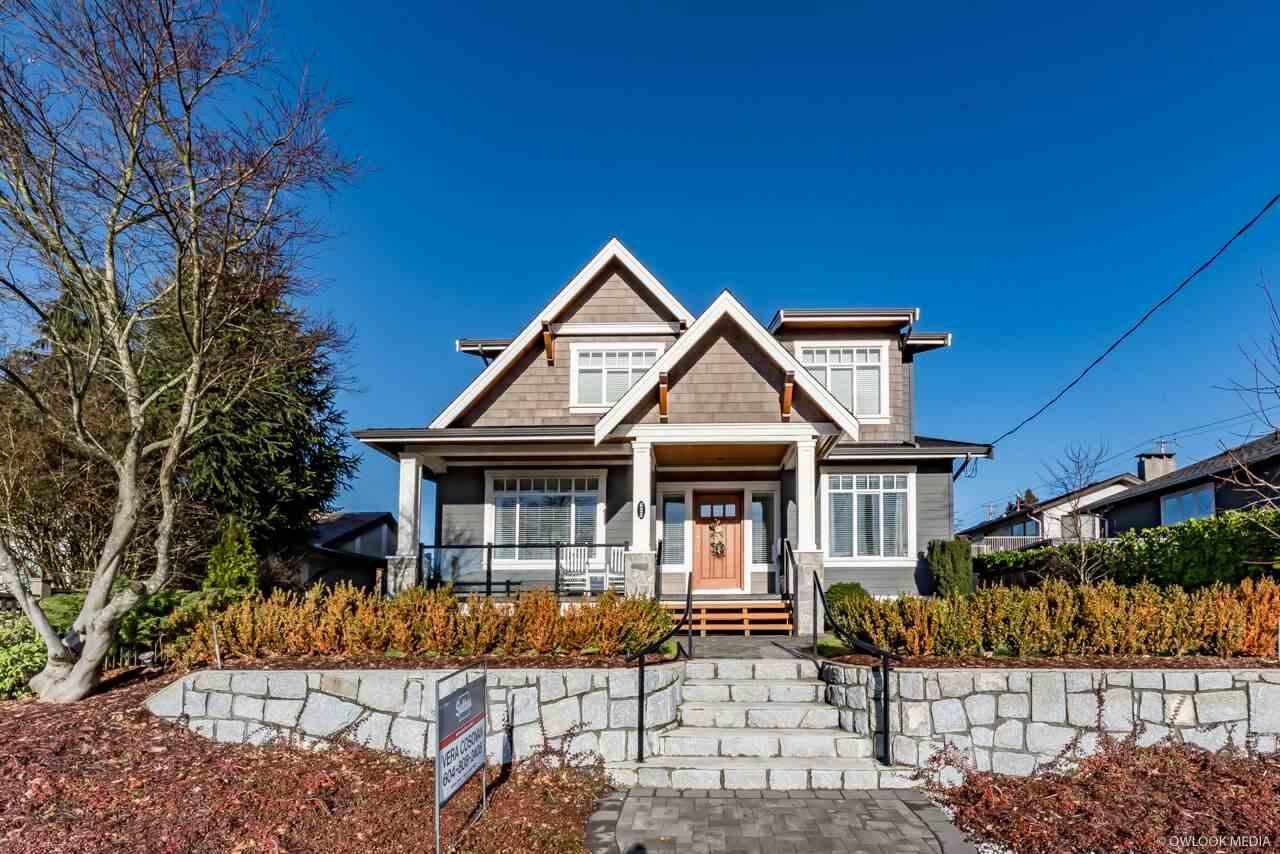 622 E 10TH STREET, North Vancouver, BC, V7L 2E8 Photo 1