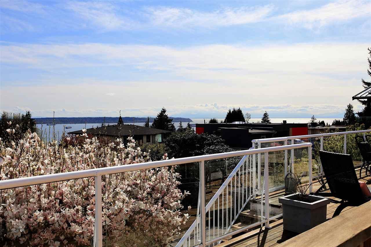 1120 PALMERSTON AVENUE, West Vancouver, BC, V7S 2J6 Photo 1