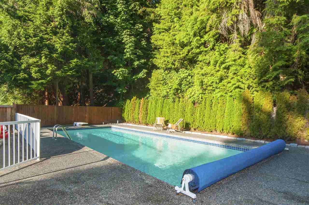 5740 CRANLEY DRIVE, West Vancouver, BC, V7W 1S8 Photo 1