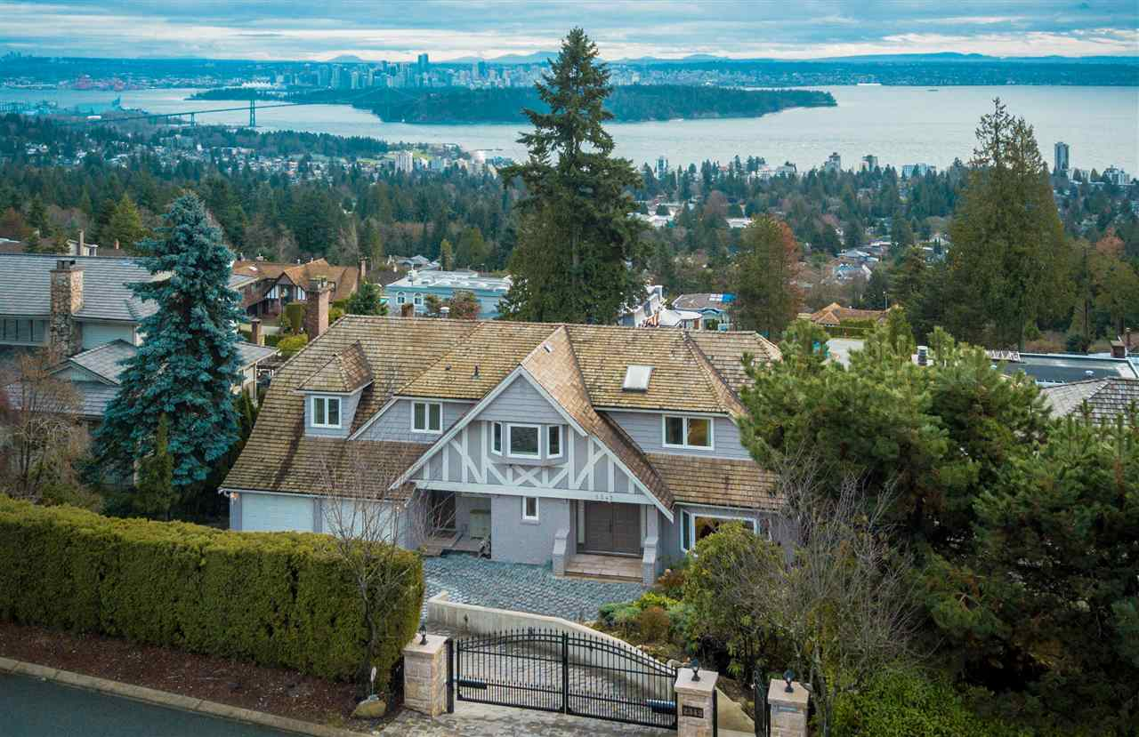 2342 WESTHILL DRIVE, West Vancouver, BC, V7S 2Z5 Photo 1