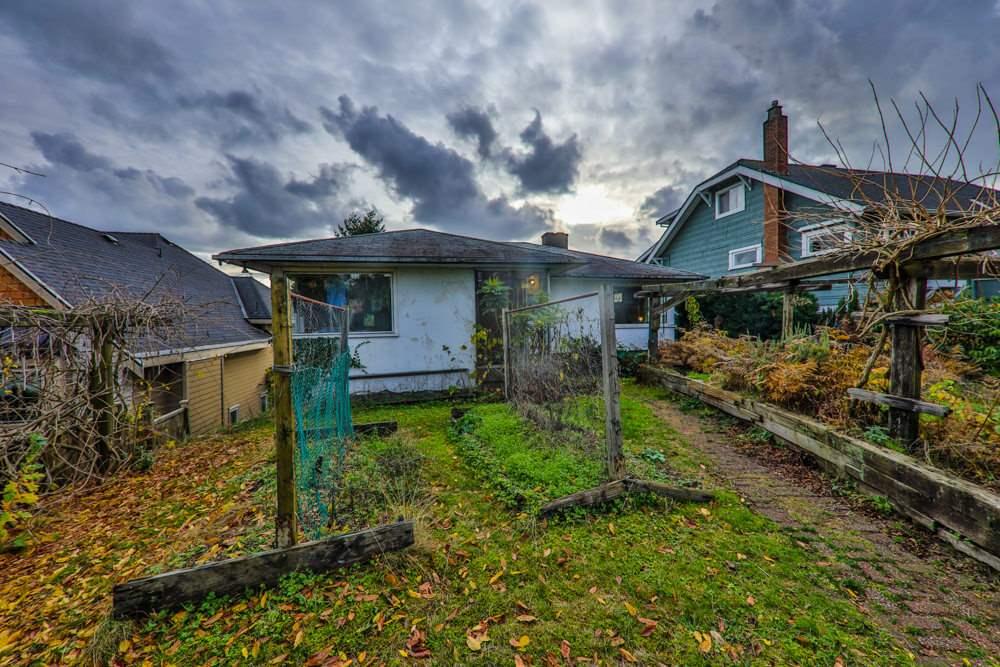 729 E KEITH ROAD, North Vancouver, BC, V7L 1W6 Photo 1