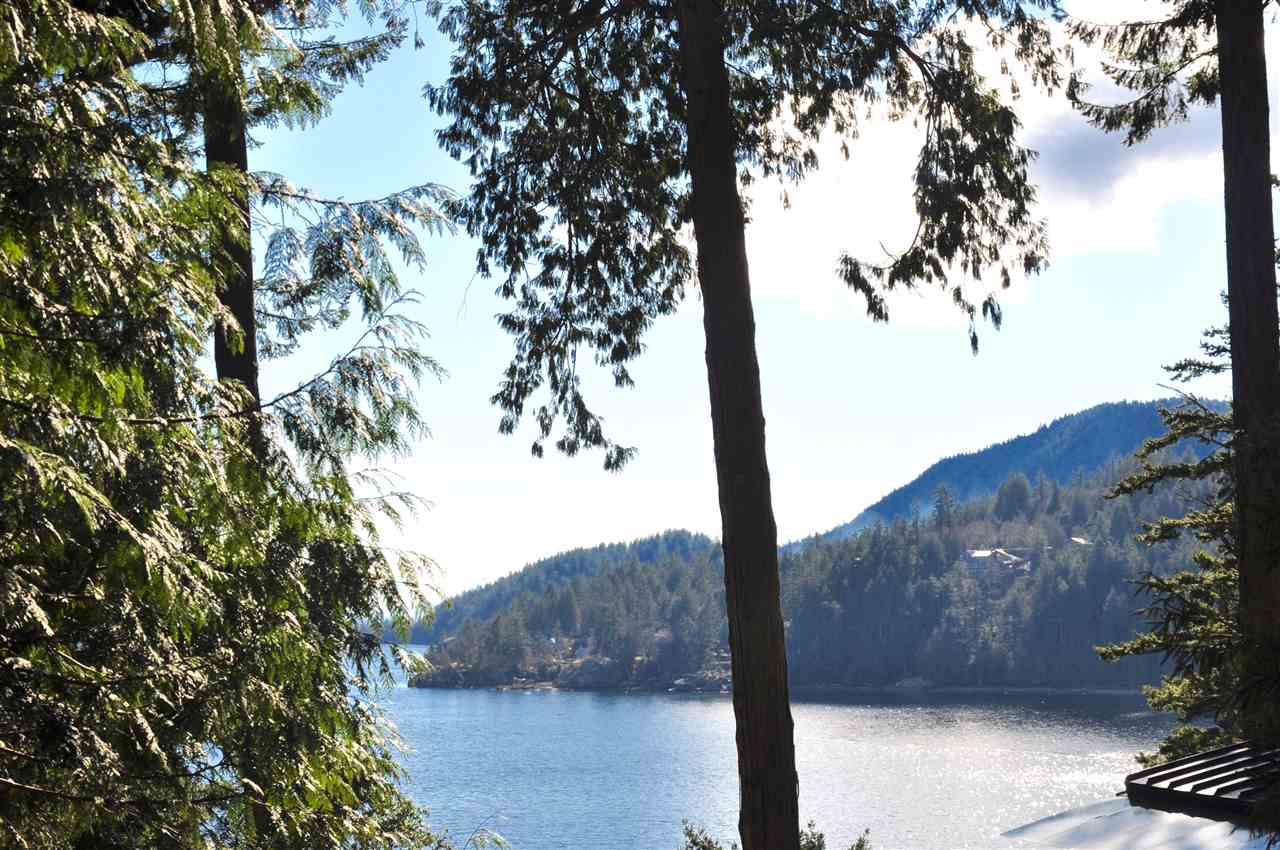 150 BANNISTER ROAD, Bowen Island, BC, V0N 1G1 Primary Photo