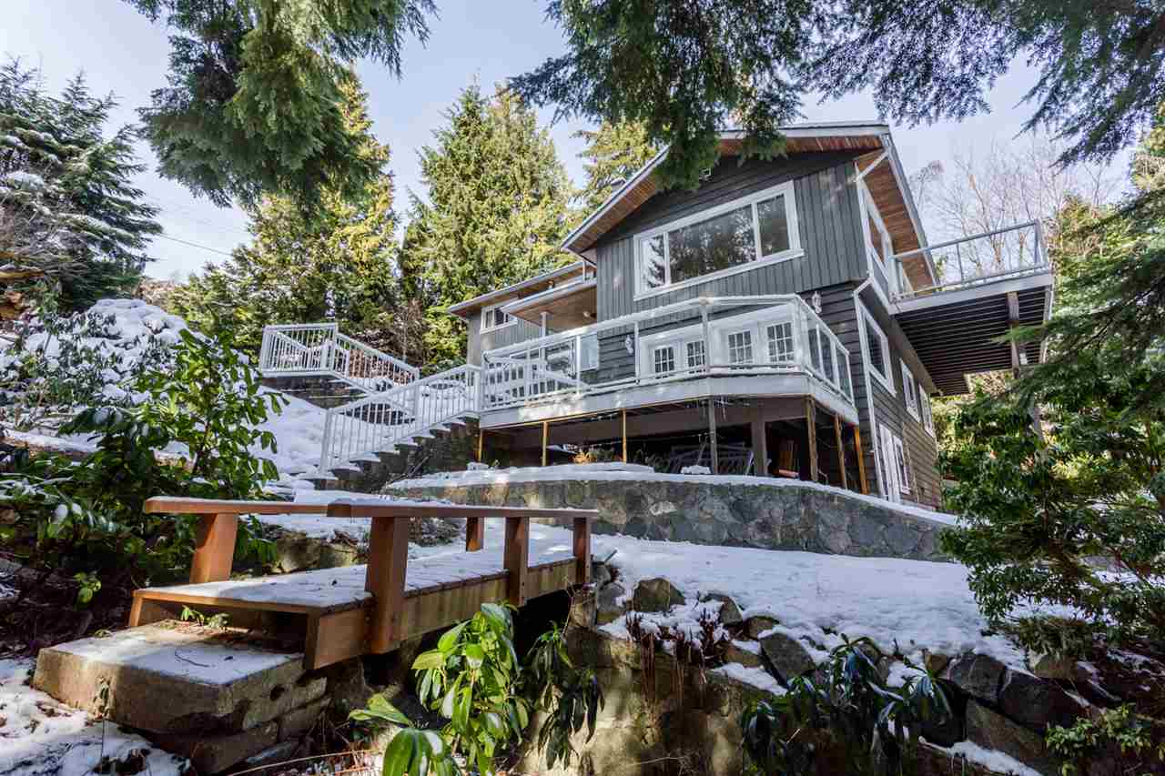 572 ST. GILES ROAD, West Vancouver, BC, V7S 1L8 Photo 1
