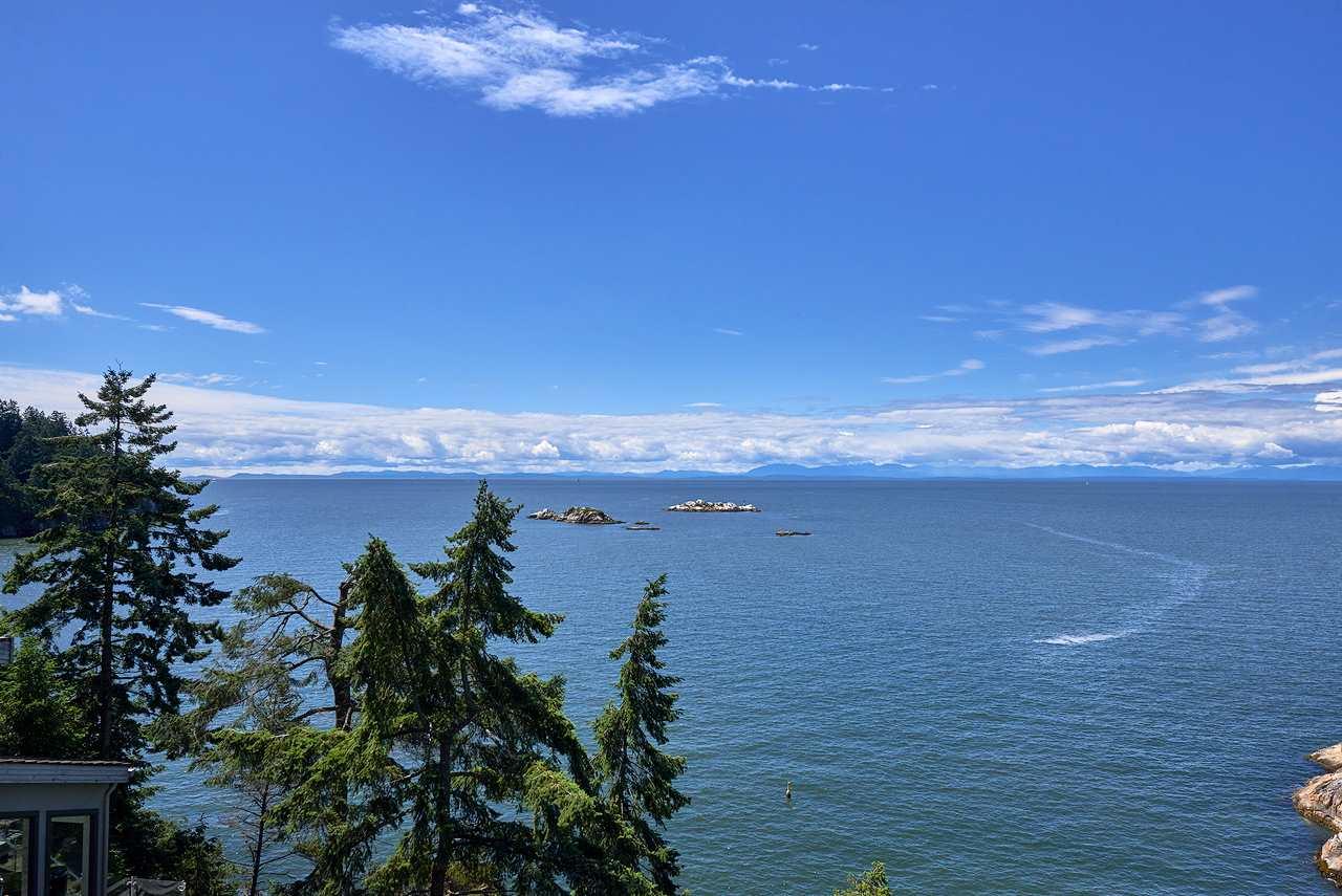 5285 GULF PLACE, West Vancouver, BC, V7W 2V9 Photo 1