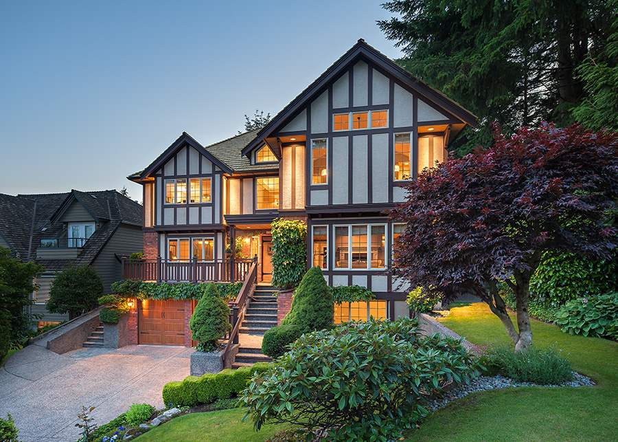 1887 ORKNEY PLACE, North Vancouver, BC, V7H 2Z1 Photo 1