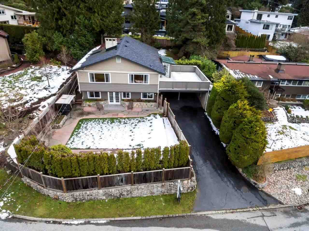 4580 MARINEVIEW CRESCENT, North Vancouver, BC, V7R 3P5 Photo 1