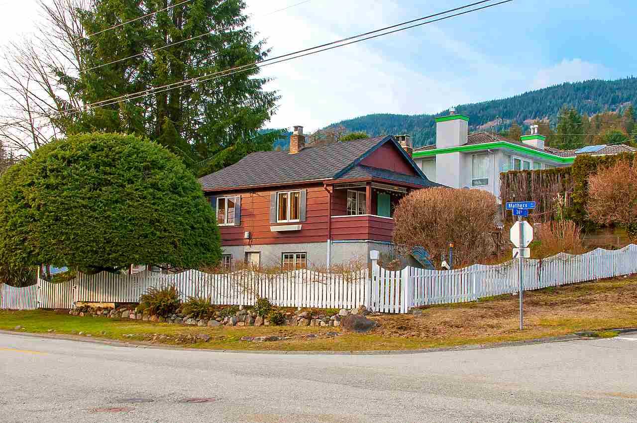 1509 24TH STREET, West Vancouver, BC, V7V 4H5 Photo 1