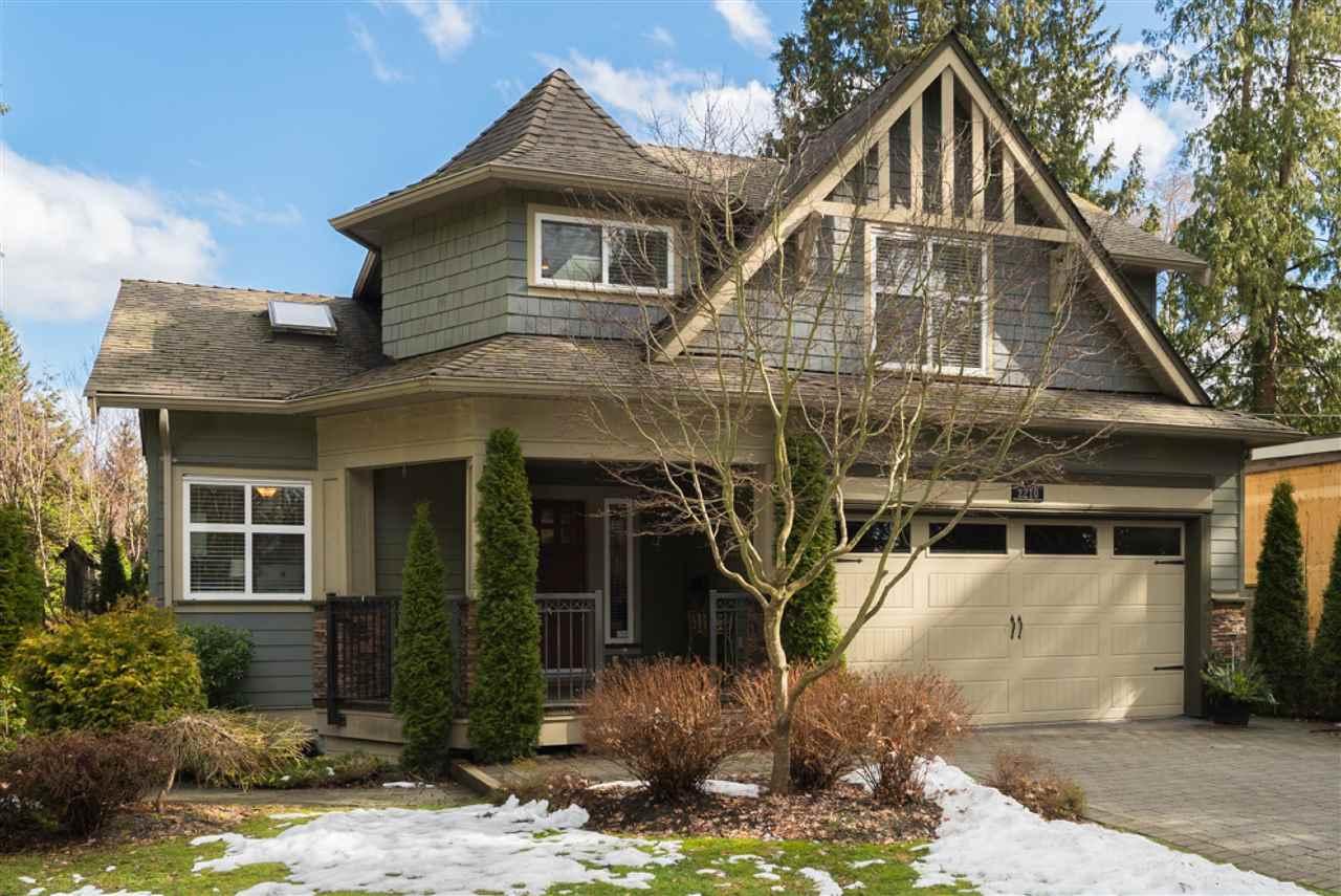 2210 BOWSER AVENUE, North Vancouver, BC, V7P 2Z2 Photo 1