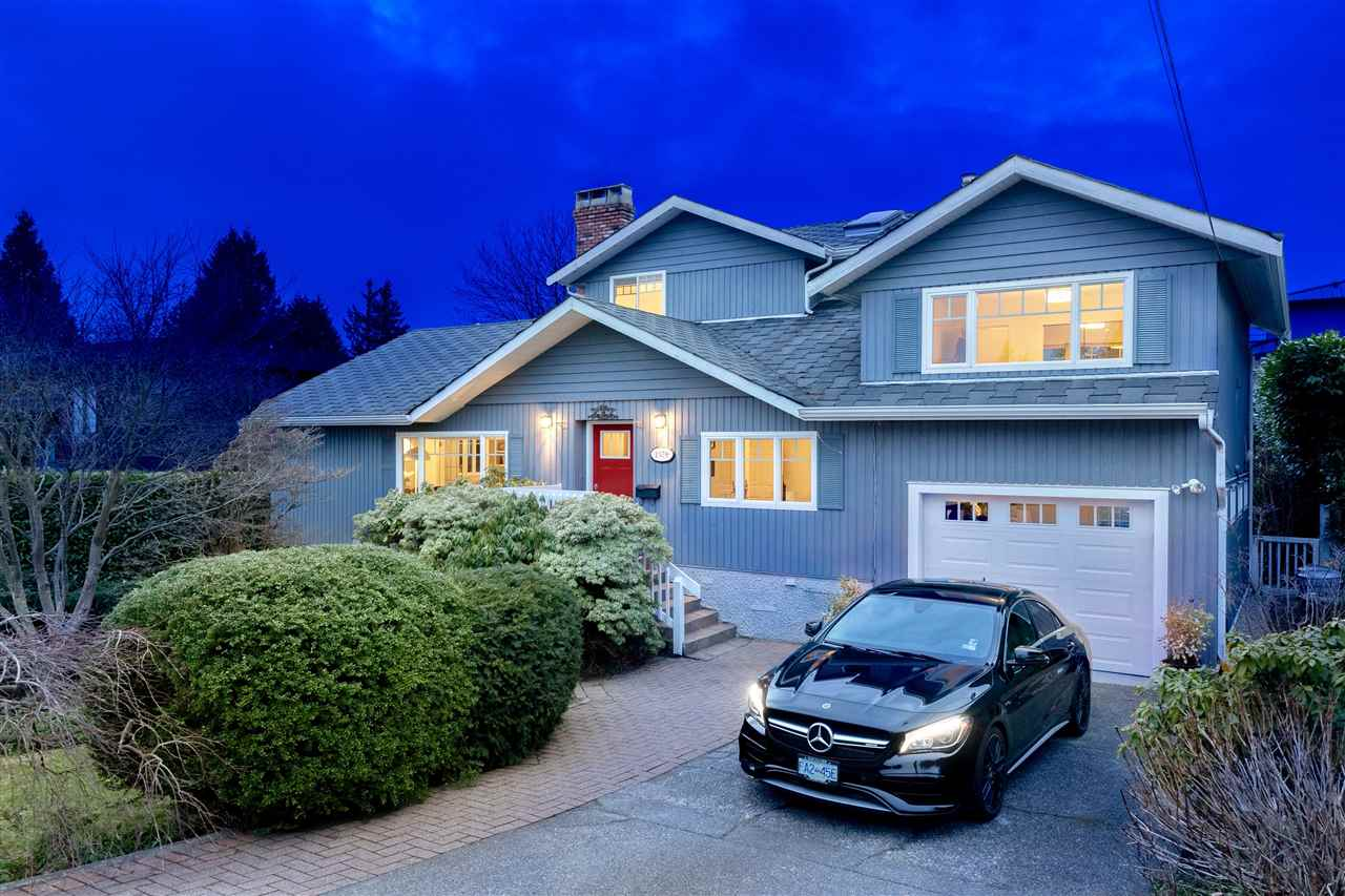 1379 22ND STREET, West Vancouver, BC, V7V 4C7 Photo 1
