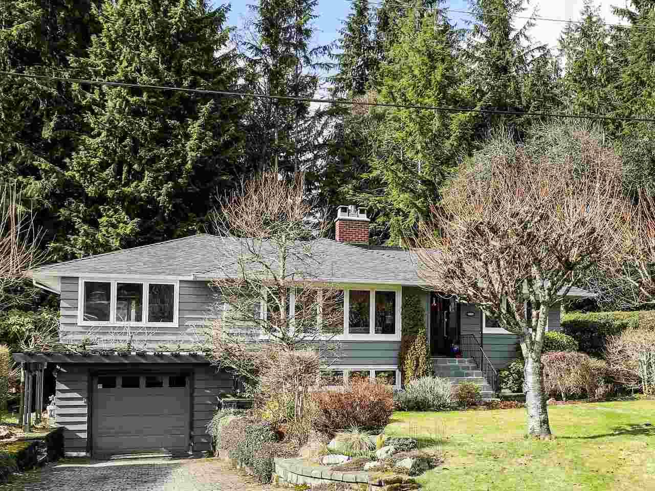 4331 LIONS AVENUE, North Vancouver, BC, V7R 3S2 Photo 1