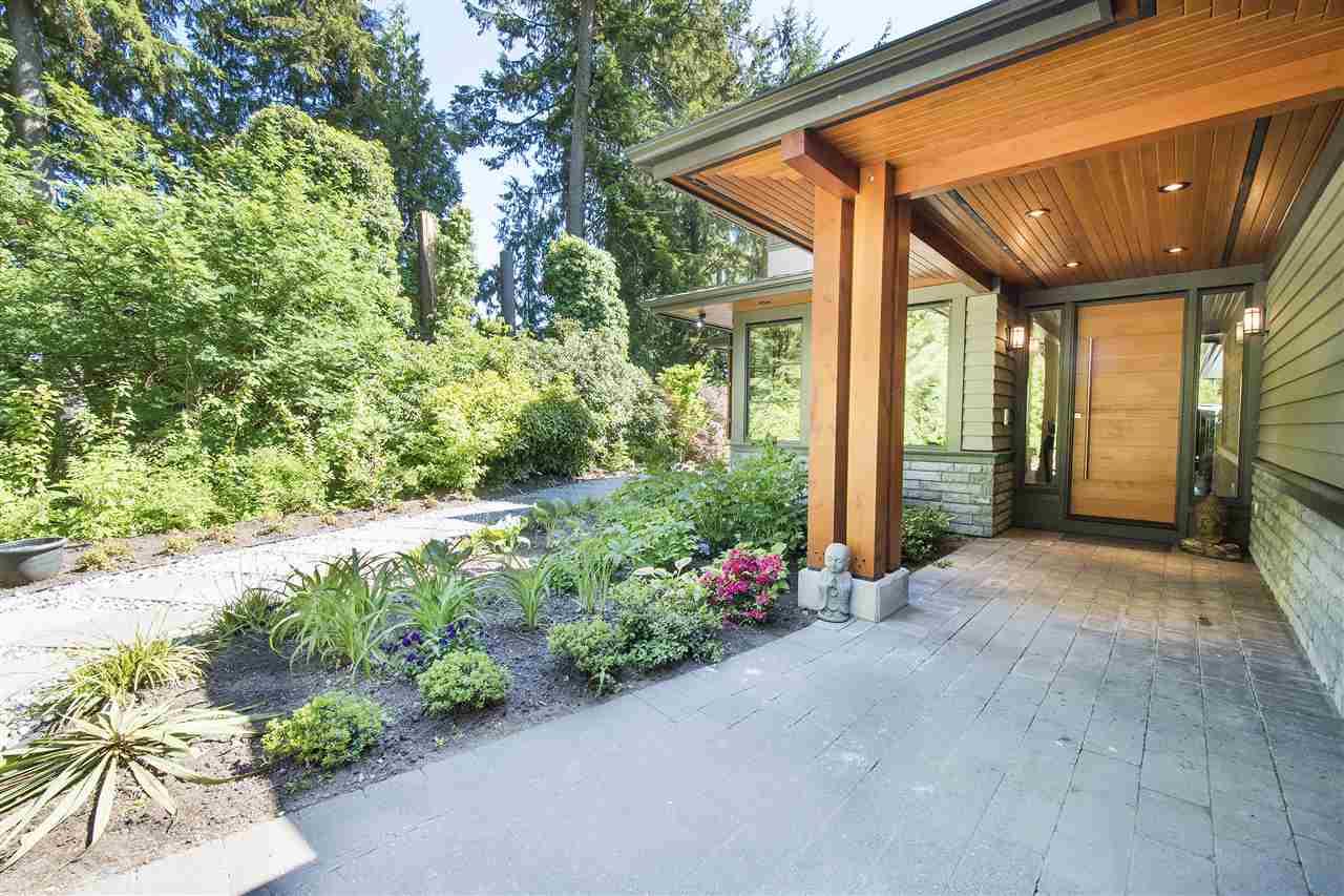 883 BELMONT AVENUE, North Vancouver, BC, V7R 1J7 Photo 1