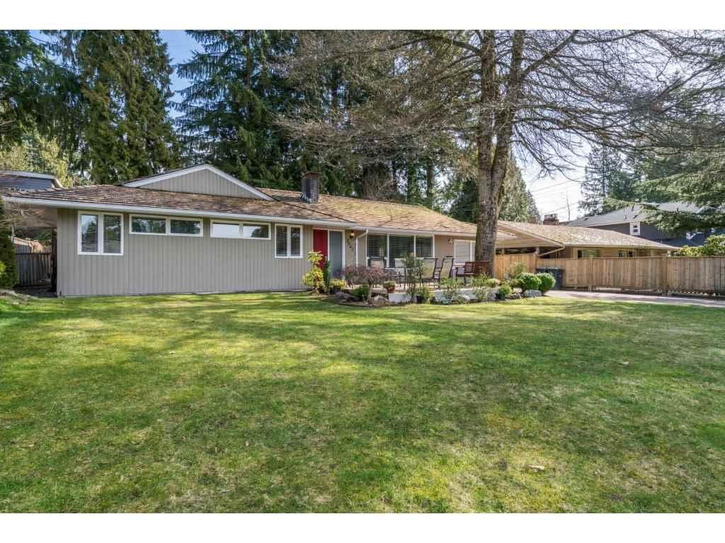 3842 LORAINE AVENUE, North Vancouver, BC, V7R 4B8 Photo 1