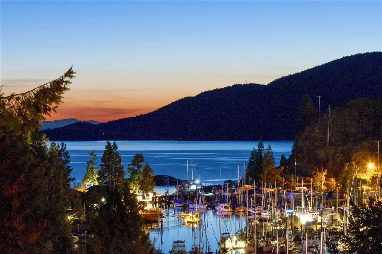 5764 LARSON PLACE, West Vancouver, BC, V7W 1S4 Photo 1