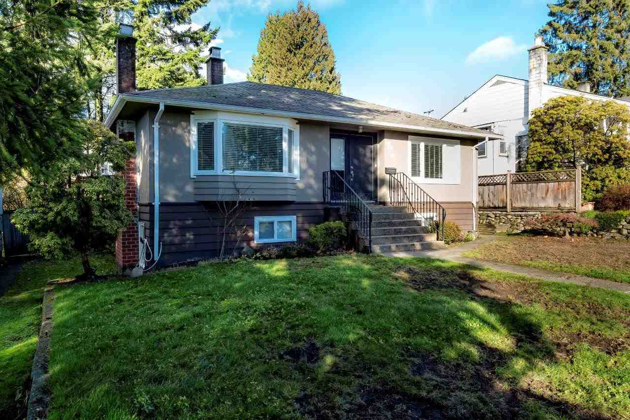 424 W 26TH STREET, North Vancouver, BC, V7N 2G8 Photo 1