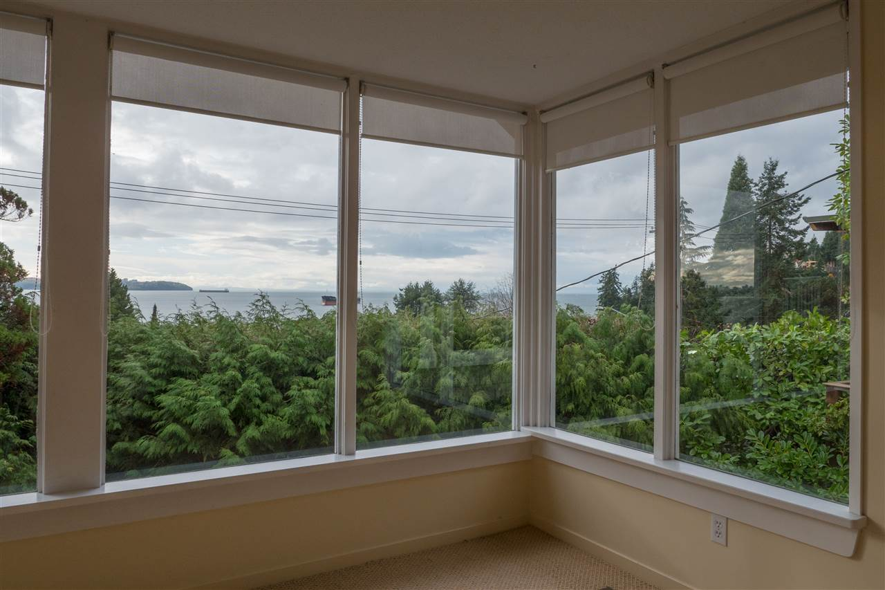3325 MARINE DRIVE, West Vancouver, BC, V7V 2M8 Photo 1