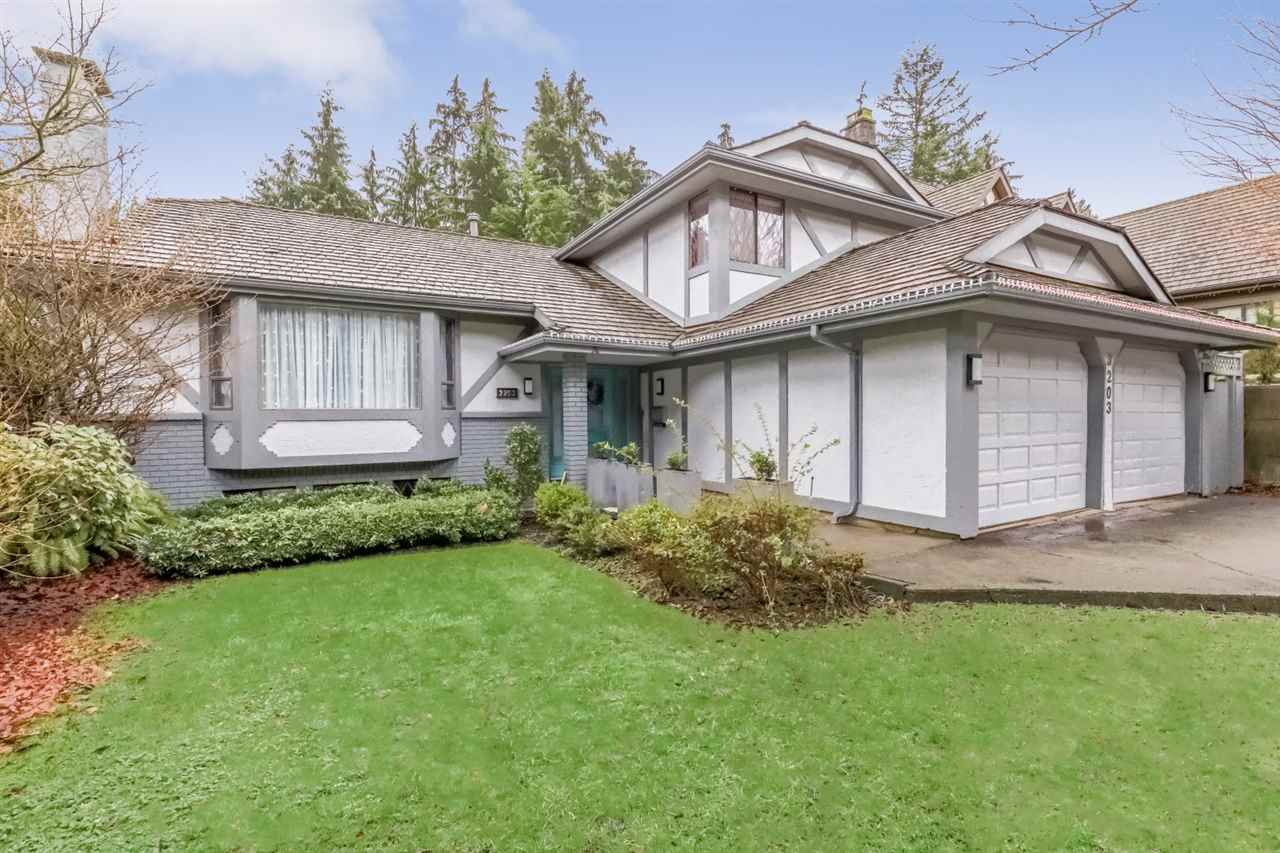 3203 HUNTLEIGH CRESCENT, North Vancouver, BC, V7H 1C9 Photo 1