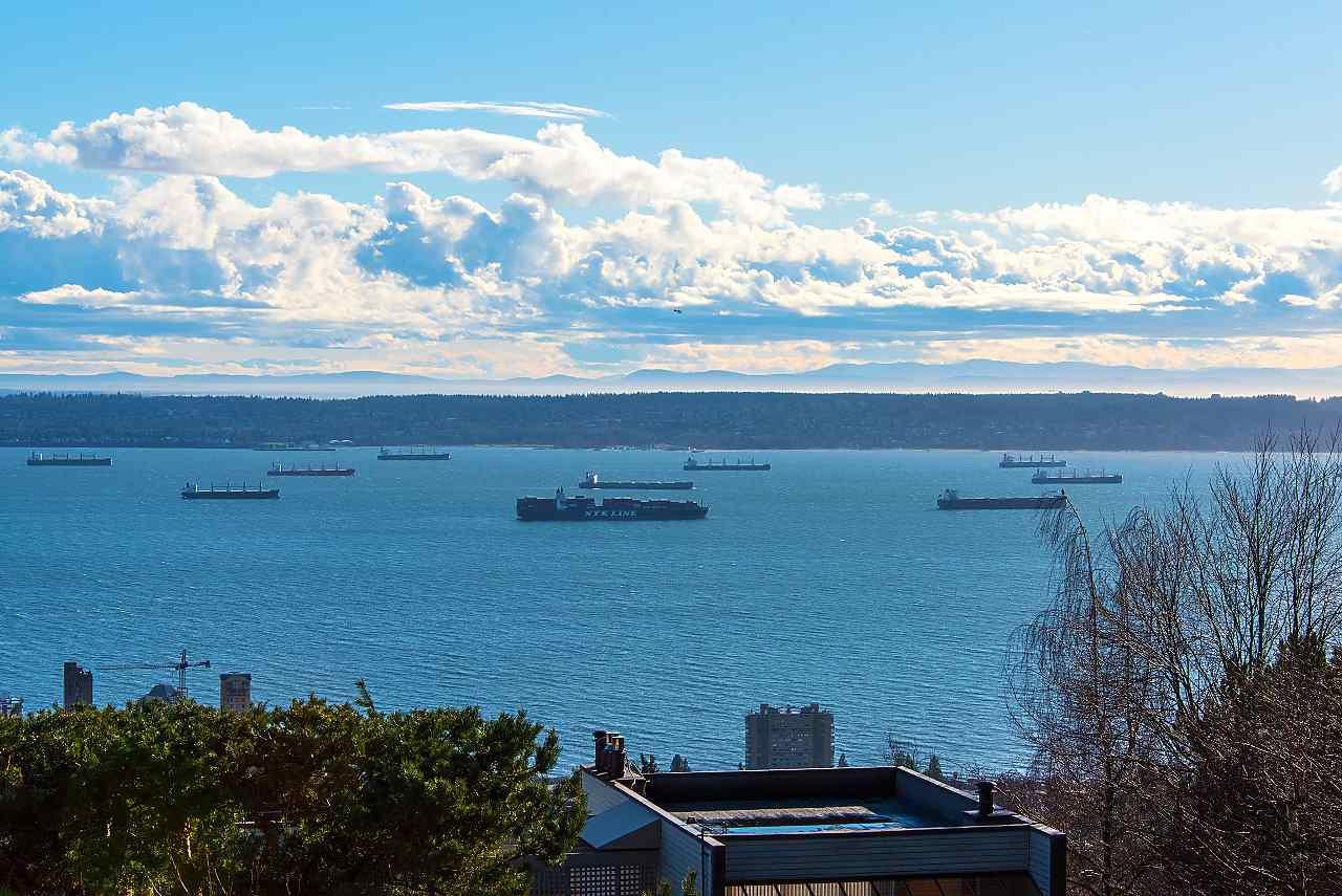2306 FOLKESTONE WAY, West Vancouver, BC, V7S 3C7 Photo 1