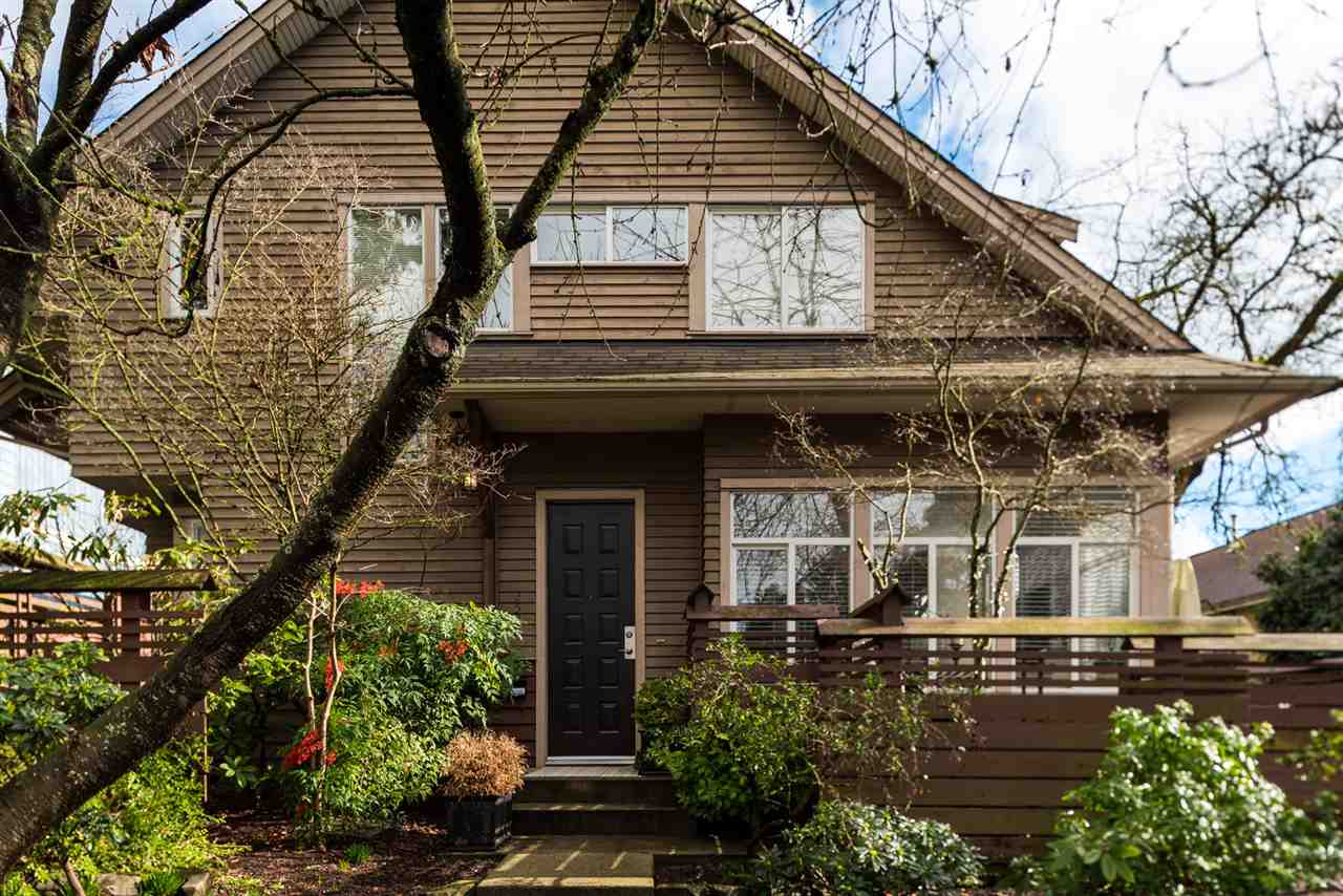 2520 WESTERN AVENUE, North Vancouver, BC, V7N 3L1 Photo 1