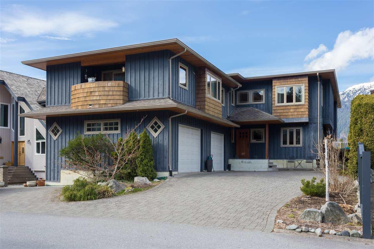 2001 CLIFFSIDE LANE, Squamish, BC, V8B 0A9 Photo 1