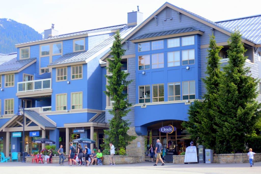 210 4338 MAIN STREET, Whistler, BC, V0N 1B4 Primary Photo