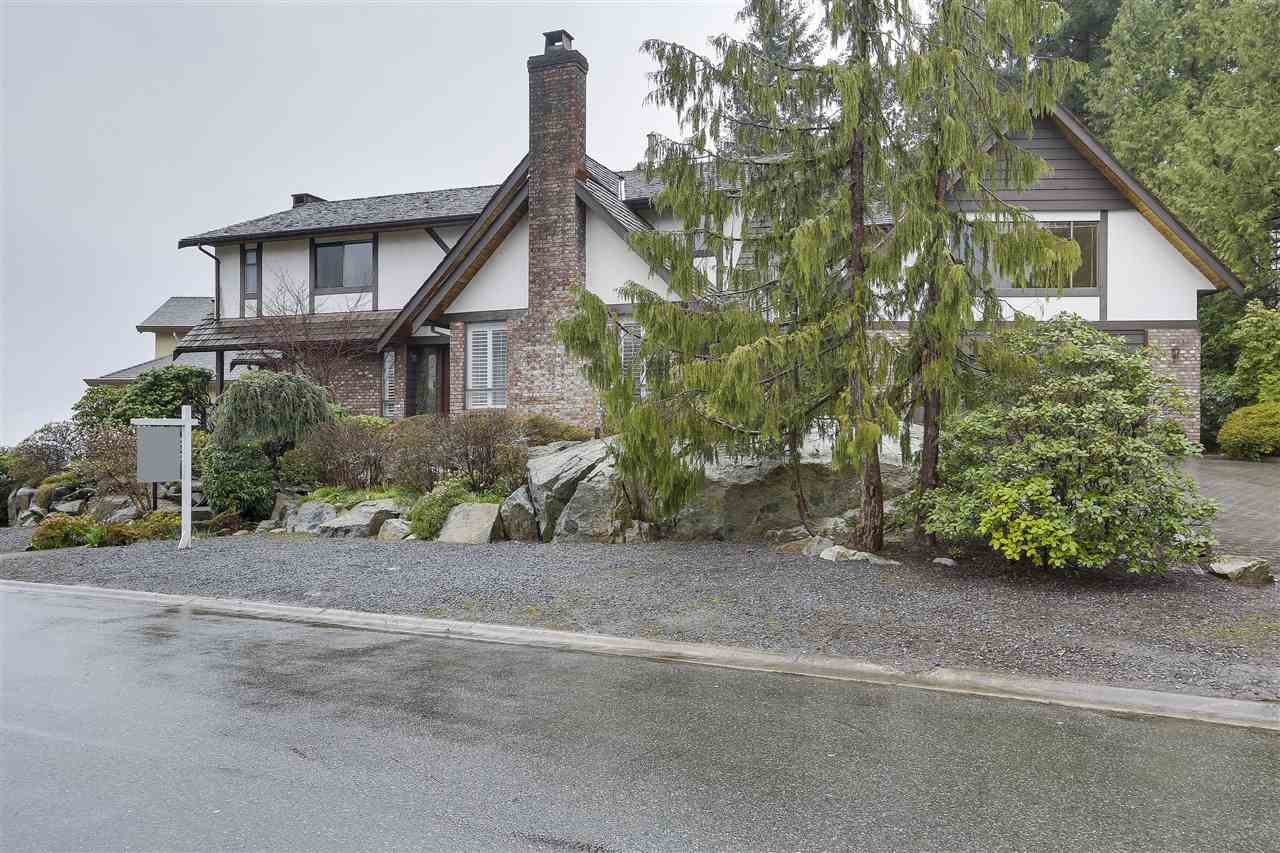 5007 PINETREE CRESCENT, West Vancouver, BC, V7W 3A2 Primary Photo