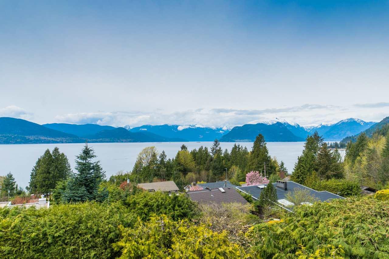 50 CLOUDVIEW PLACE, West Vancouver, BC, V0N 2E0 Photo 1