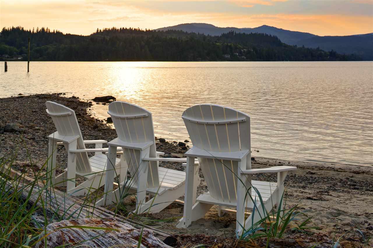 5905 BEACHGATE LANE, Sechelt, BC, V0N 3A3 Photo 1