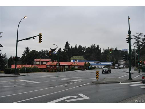 301 Island Hwy, View Royal, BC, V9B 1G9 Photo 1