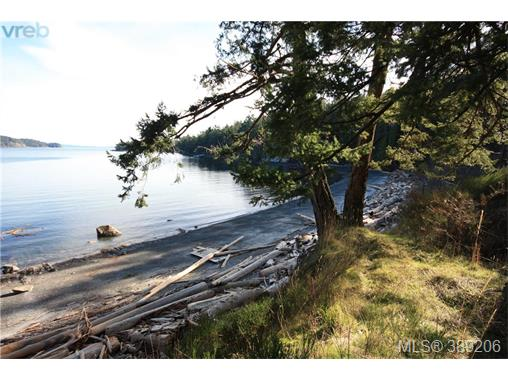 7960 Pirates Rd, Pender Island, BC, V0N 2M2 Photo 1