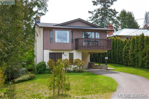 577 Kenneth St, Saanich West, BC, V8Z 2B8 Primary Photo